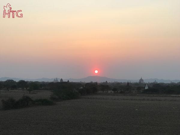 ngắm hoàng hôn ở Bagan